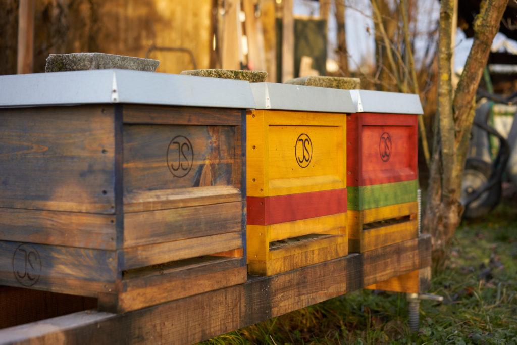 am Bienenstand